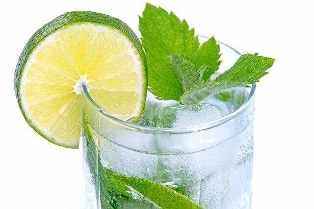 10 فوائد الليمون بالنعناع
